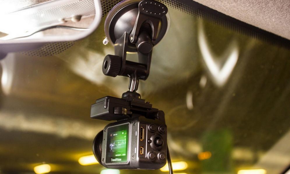 Как пользоваться автомобильным видеорегистратором