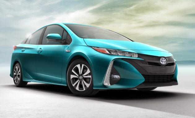 Toyota представила Prius Prime