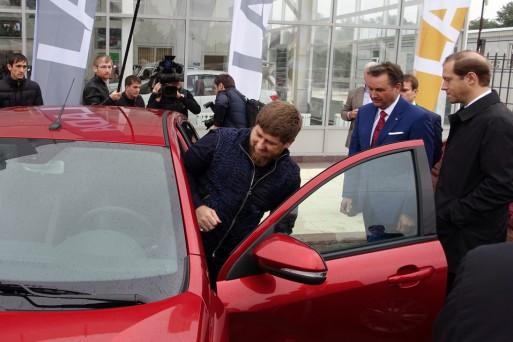 Рамзан Кадыров протестировал Lada Vesta